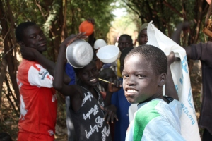 Refugee children protest over cut food rations